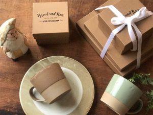 「パンとごはんと…」はどの商品も箱がつきます。
