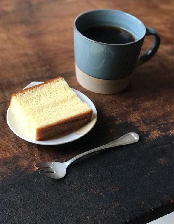 パンとごはんと…の器とアンティークフォーク。