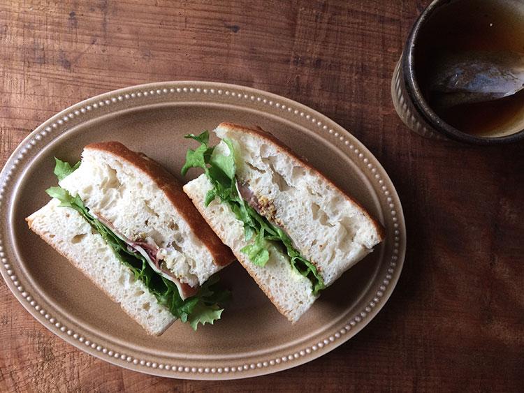 フォッカチャのサンドイッチ