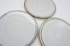 Line Pottery 一本線の白い器