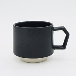 Chips Stack Mug Mat Black