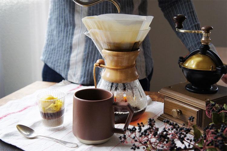 コーヒーを淹れて、三時のおやつ。