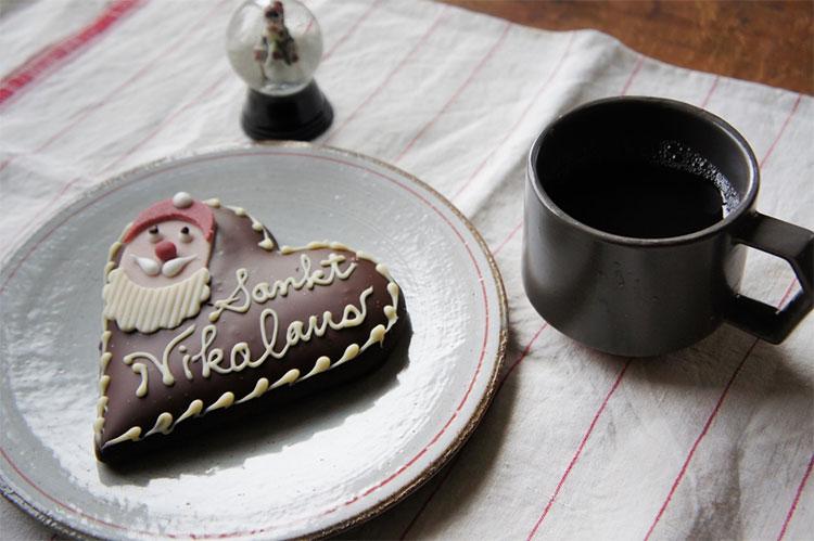 クリスマスのチョコを食べながらコーヒータイム
